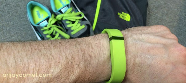 Going GREEN : My REVIEW of a Lime Green FitbitFlex
