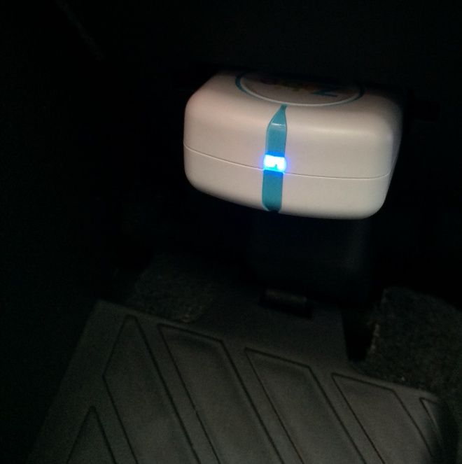 connectedcar-zubie-installed-photo-blue-LED