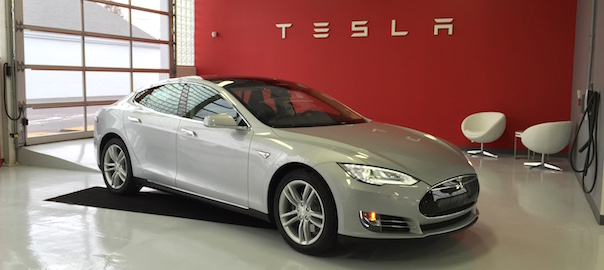COMPARISON: Our 2012 Nissan Leaf vs our new 2014 Tesla Model S85
