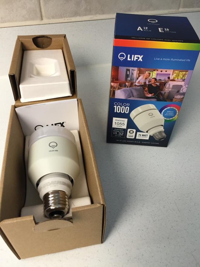 Unboxing the LIFX Color 1000