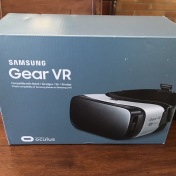 feb2016-VR-unboxing-samsung-01